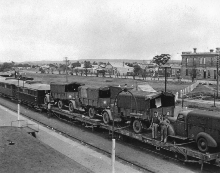 Troop train at Terowie, 1940s